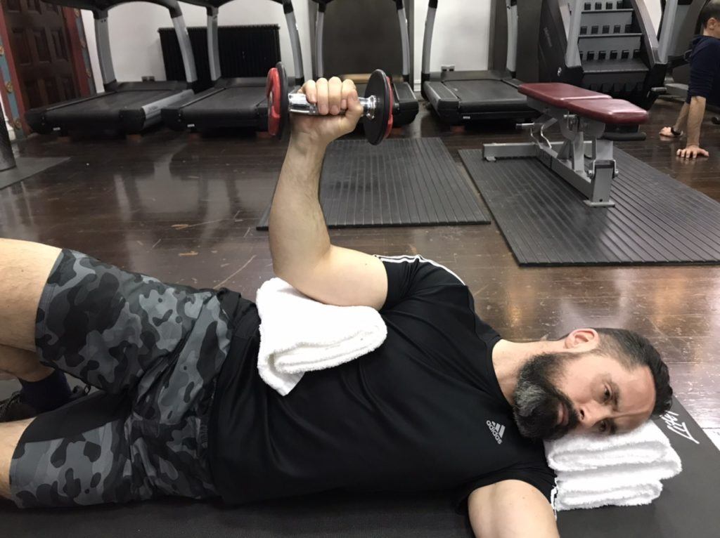External shoulder rotation exercise