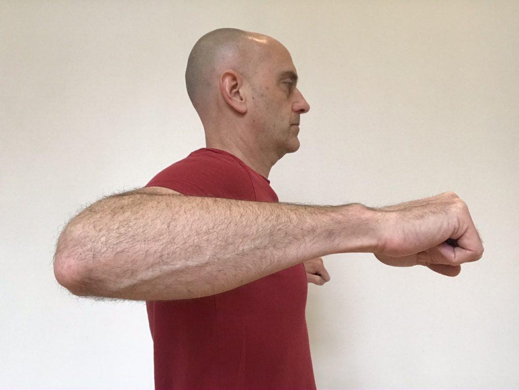 How to assess shoulder range of motion for push ups