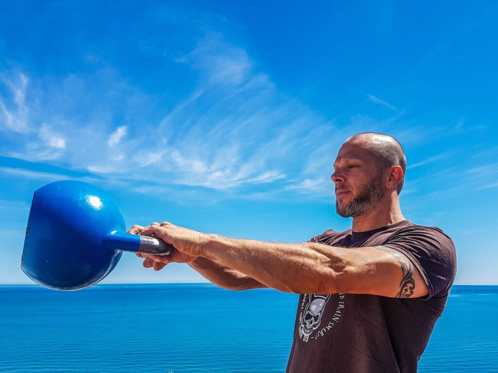 why online exercise injuries can be caused by kettlebells